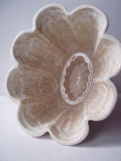 Shelley Jelly Mould: Vintage Jelly / Blancmange Maker. $48.00, via Etsy.