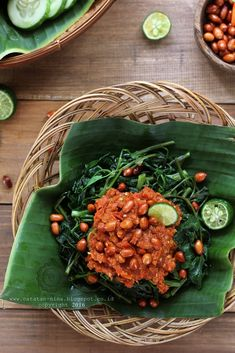 Plecing Kangkung [recipe in Indonesian]