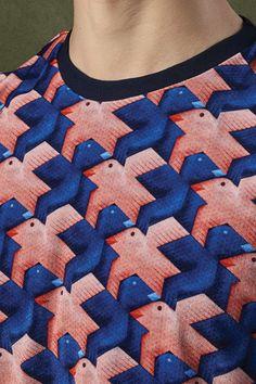 Printed SweatMade from a soft touch velvetRound neckLong sleevesRibbed cuffs and hemRegular fitMachine washFabric:87% PA Micro 13% Elastane Lining: 100% Cotton !! OMG : de prijs !! 198 €