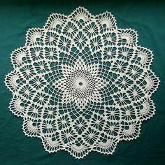 Toalhinhas feitas em crochê ótima opção para decoração da sua casa