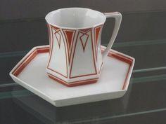 Art Deco cup & saucer in the Bröhan Museum, Berlin