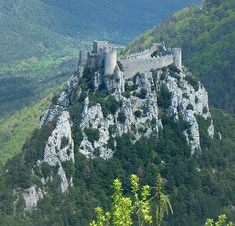 The Château de Puilaurens (Occitan: lo Castèl de Puèg-Laurenç) is one of the Cathar Castles of the Languedoc in what is now the South of France. It is located in the commune of Lapradelle-Puilaurens in the Aude département. http://www.catharcountry.info