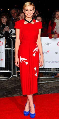 Carey Mulligan in Roland Mouret. So different but I love it! Cool color combination too!