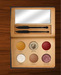 Who Do We Have to Charm to Get This Harry Potter Eye Shadow Palette ASAP? - new_make_up_pintennium Harry Potter Thema, Harry Potter Houses, Harry Potter App, Hogwarts Houses, Maquillaje Harry Potter, Makeup Tools, Makeup Brushes, Makeup Hacks, Makeup Dupes
