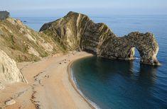 Costa de Dorset - Inglaterra. Se encuentra en el estado de Dorset, al suroeste de Inglaterra, cerca de West Lulworth y sobre el famoso Canal de la Mancha.