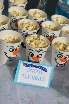 frozen birthday party ideas Heres how to make the ultimate Frozen themed birthday party. From Frozen themed party snacks to Elsa and Olaf goodie bags, to Frozen party games. You can throw this Disney party ideas with lots of things from the dollar store! Disney Frozen Party, Frozen Birthday Party Games, Olaf Birthday, Frozen Themed Birthday Party, Frozen Party Food, Disney Themed Party, Disney Party Games, Frozen Birthday Decorations, Disney Party Decorations