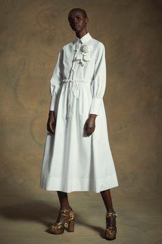 Dice Kayek Resort 2020 Fashion Show Dice Kayek Resort Collection 2020 – Vogue Fashion 2020, Luxury Fashion, Womens Fashion, Fashion Trends, Vogue Fashion, Mode Hijab, Fashion Show Collection, Mode Style, Mannequins