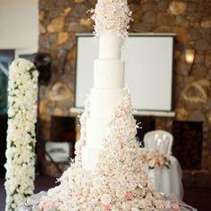 Tall wedding cake...so beautiful!