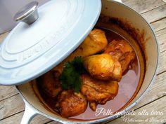 Stanchi del solito pollo? Beh se volete portare in tavola una ricetta nuova e sfiziosa e se amate le spezie questa dovete proprio provarla! Il pollo