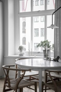 my scandinavian home: a calm, Swedish dining space.