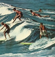 australia vintage beach retro ocean surfing surfers surfers paradise johnny-remember-me Surf Vintage, Vintage Surfing, Vintage Beach Photos, Vintage Beach Photography, Vintage Hawaii, Vintage Pictures, Beach Aesthetic, Summer Aesthetic, Aesthetic Vintage