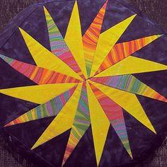 "waynestratz: "" An innovative quilt Rhonda Namba ~ Spinning Star #rhondanamba #quilt #star #spinning """