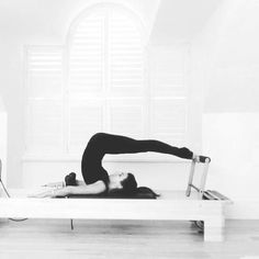 This is an adaptation of the #classicalmatpilates exercise #controlbalance on the reformer that I discovered when playing around in the…