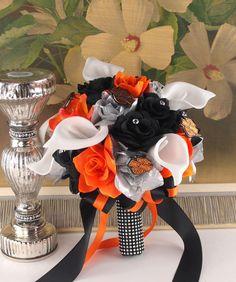 Minus the Harley Davidson of course Biker Wedding Theme, Bike Wedding, Motorcycle Wedding, Fall Wedding, Our Wedding, Dream Wedding, Corsage Wedding, Wedding Bouquets, Wedding Flowers