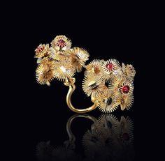 Viola Yoo MA Design (Jewellery) 2013  Central Saint Martins College of Arts & Design