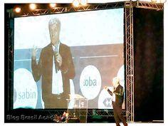 Caco Barcelos Willian Wack e Ayres Brito no CONPRA 2016  Considerado o maior repórter investigativo do Brasil e um dos maiores do mundo Caco Barcelos ministrou palestra sobre liderança na abertura do XII Congresso Nacional de Profissionais de Administração: Excelência em gestão e liderança (Conpra) que aconteceu no Centro de Convenções Ulysses Guimarães em Brasília dia 26.  Inspirado nos desafios do atual cenário econômico brasileiro e objetivando debater saídas para as crises econômica e…