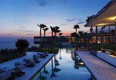 Grecia, Saint Tropez, Ibiza...Recorremos los principales destinos más chic donde dar la bienvenida al verano
