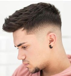 22 Ideas For Haircut Men Grey Menswear Latest Men Hairstyles, Cool Hairstyles For Men, Hairstyles Haircuts, Haircuts For Men, Trending Hairstyles, Medium Hair Styles, Short Hair Styles, Short Textured Hair, Haircut For Big Forehead