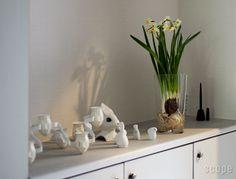 Aalto vase as a plant pot holder for pretty bulbs  iittala / Aalto Collection (アールトコレクション) Aalto ベース Decor, Interior, Green, Home Decor, Vase