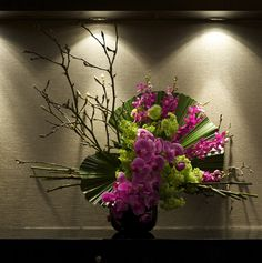 Floral designs for a corporate event with a Japanese VIP guest list. Ikebana Arrangements, Modern Floral Arrangements, Ikebana Flower Arrangement, Flower Arrangements, Art Floral, Deco Floral, Flower Centerpieces, Flower Decorations, Wedding Decorations