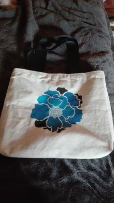 Bolso pintado con stencil