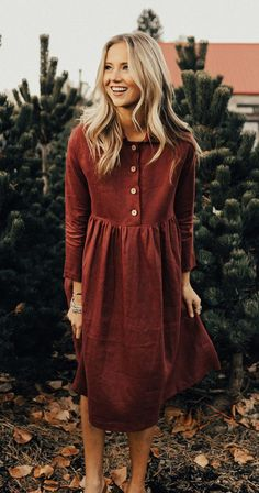 Glamorous Winter Outfits To Wear Now red button-up long-sleeve dress Modest Dresses, Cute Dresses, Casual Dresses, Dresses With Sleeves, Red Dress Casual, Mode Outfits, Dress Outfits, Fashion Outfits, Maroon Dress Outfit