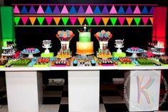 decoração de mesa neon - Pesquisa Google