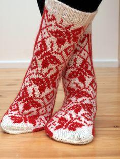 Knitting Socks, Knit Socks, Tutu, Fashion, Animal Themes, Easy Knitting Projects, Moda, Fashion Styles, Tutus