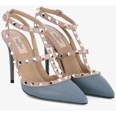 Valentino  Valentino Garavani 'Rockstud' pumps ($810) ❤ liked on Polyvore featuring shoes, pumps, valentino pumps and valentino shoes