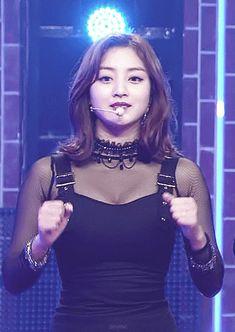 twice Kpop Girl Groups, Korean Girl Groups, Kpop Girls, Pretty Korean Girls, South Korean Girls, Jihyo Twice, Twice Kpop, Korean Celebrities, Nayeon