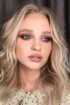 30 Wedding Makeup Ideas For Blue Eyes ❤ makeup ideas for blue eyes bronze shimmer eyeshadows and nude lips piminova_valery Wedding Makeup For Blue Eyes, Simple Wedding Makeup, Blue Eye Makeup, Wedding Hair And Makeup, Wedding Make Up, Hair Makeup, Wedding Bride, Eyeshadow Makeup, Easy Eyeshadow
