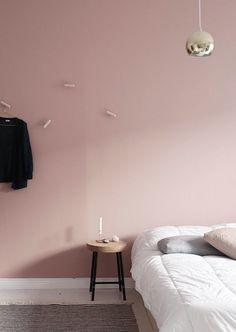 Att välja väggfärg kan vara ett riktigt dilemma. Vad passar bäst, vilken kulör är snyggast och tänk om du skulle ändra dig? Går du i målartankar är ett tips att vända dig till ditt...