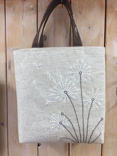 ・・・・・・・・・・・・・・Sakura work home Sashiko Embroidery, Embroidery Bags, Creative Embroidery, Japanese Embroidery, Hand Embroidery Videos, Hand Embroidery Stitches, Hand Embroidery Designs, Diy Bags Purses, Linen Bag