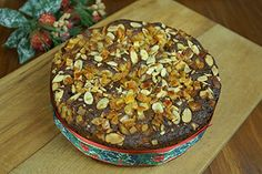 Mincemeat Christmas cake - Recipes - Eat Well (formerly Bite) Recipe Cup, Food Tags, Mince Meat, Cake Ingredients, Cake Pans, Brown Sugar, Cake Recipes, Deserts, Baking