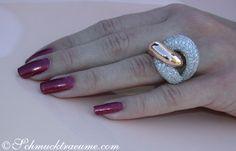 Heavy Diamond Ring » Juwelier Schmucktraeume.com Diamond Cluster Ring, Diamond Gemstone, Gold Jewelry, Jewelry Rings, Jewlery, Beautiful Wedding Rings, Rose Gold Engagement Ring, Gold Rings, Rings For Men