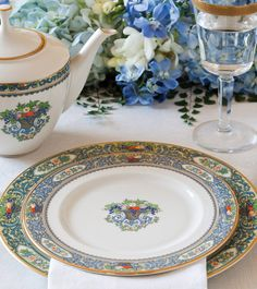 Fine china and dinnerware from Replacements, Ltd.