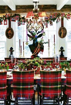 Beautiful Christmas Dining Room Decor Ideas You Never Seen Before 11 Christmas Table Settings, Christmas Tablescapes, Holiday Tables, Christmas Decorations, Holiday Decor, Christmas Ornaments, Tartan Christmas, Plaid Christmas, Country Christmas