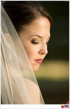 Classic brides wedding photo. www.truelovephoto.com