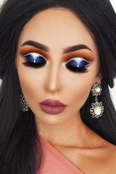 Gorgeous Makeup: Tips and Tricks With Eye Makeup and Eyeshadow – Makeup Design Ideas Eyeliner, Eyeshadow Makeup, Blush Makeup, Winter Make-up, Winter Colors, Latest Makeup Trends, Latest Trends, Smoky Eyes, Makeup For Beginners