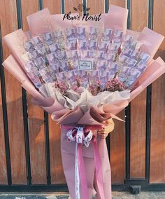 Money Bouquet, Diy Doll, Origami, Bucket, Mood, Birthday, Crafts, Outfits, Flowers