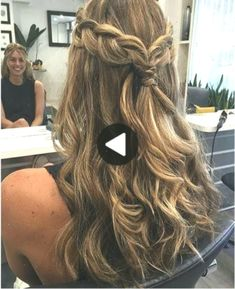 Down curly hairstyles prom - short curly hair Bridesmaid Hair Medium Length, Prom Hair Medium, Bridesmaid Hair Half Up, Medium Hair Styles, Curly Hair Styles, Down Curly Hairstyles, Prom Hairstyles For Long Hair, Easy Hairstyles, Wedding Hairstyles