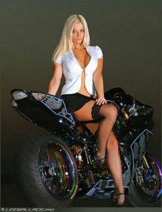 Biker Babes and Tattoos : Photo Biker Chick, Biker Girl, Ducati 1299 Panigale, Motorbike Girl, Girl Bike, Motorcycle Girls, Grid Girls, Hot Bikes, Harley