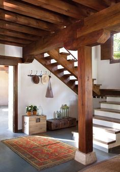 two kinds of stairs Village House Design, Village Houses, Interior Design Living Room, Interior Decorating, Indian Home Design, Kerala Houses, Style Deco, Traditional House, Home Deco