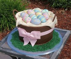 {tutorial} look at this amazing easter basket cake!
