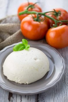 Vegan Mozzarella Cheese with Tomatoes (Caprese)