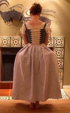 An Easy, Authentic Eighteenth Century Petticoat