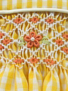 vestido amarillo dacron