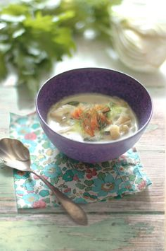 Fennel and smoked salmon soup / About Foood