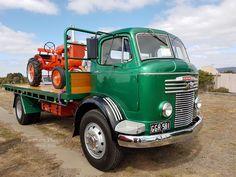 Cool Trucks, Big Trucks, Cool Cars, Classic Trucks, Classic Cars, Vintage Children Photos, Transporter, Commercial Vehicle, Vintage Trucks