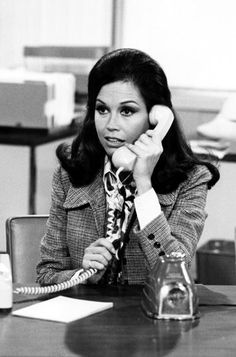 Google Image Result for http://img2.timeinc.net/instyle/images/2010/gallery/082510-Mary-Tyler-Moore-383.jpg